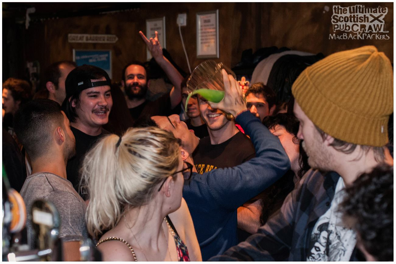 Por dónde salir de fiesta en Edimburgo Pub Crawl