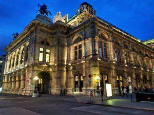 ¿Qué visitar en Viena? Ópera Viena