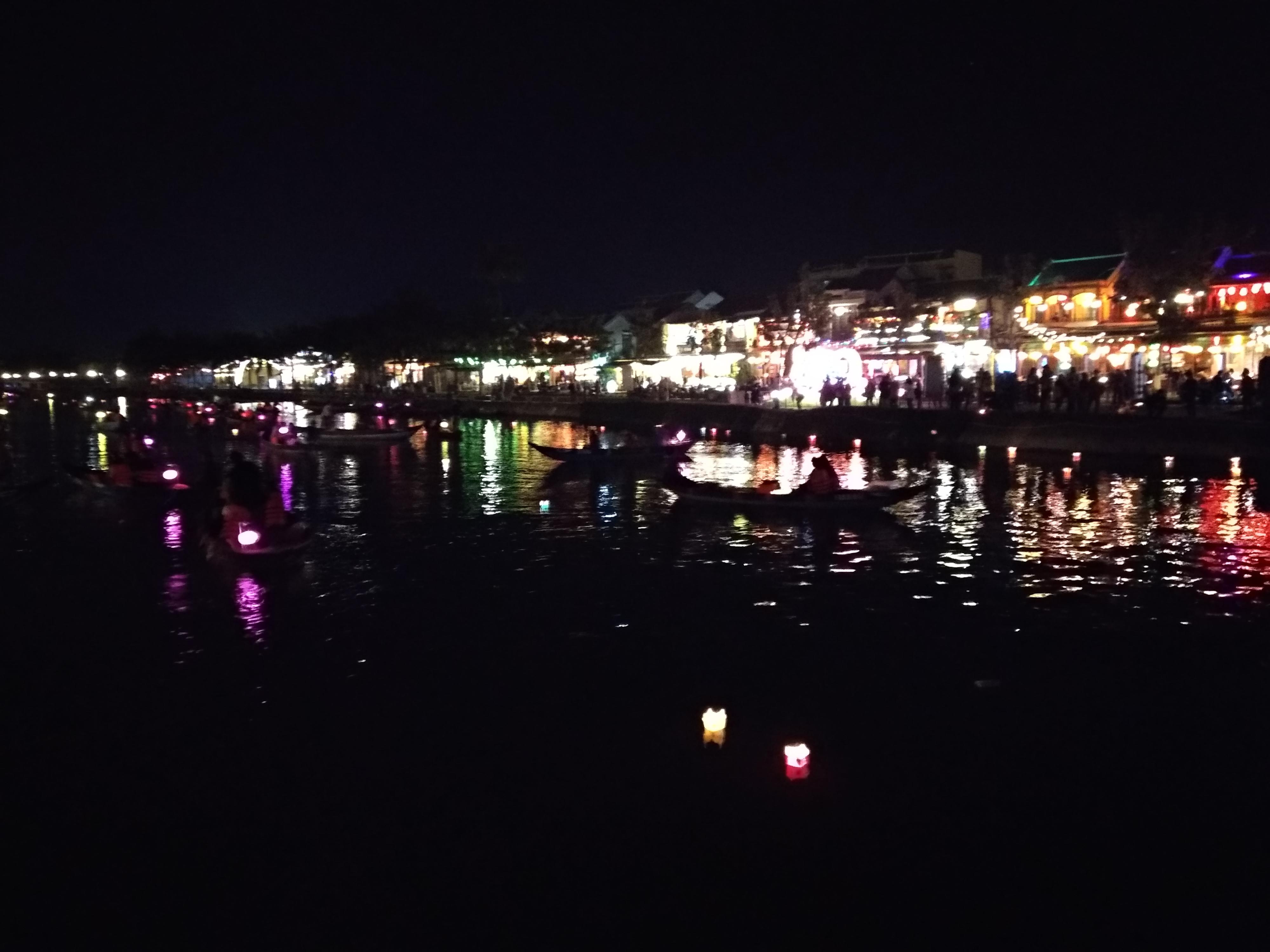 ¿Qué visitar en Hoi An? Río noche Hoi an