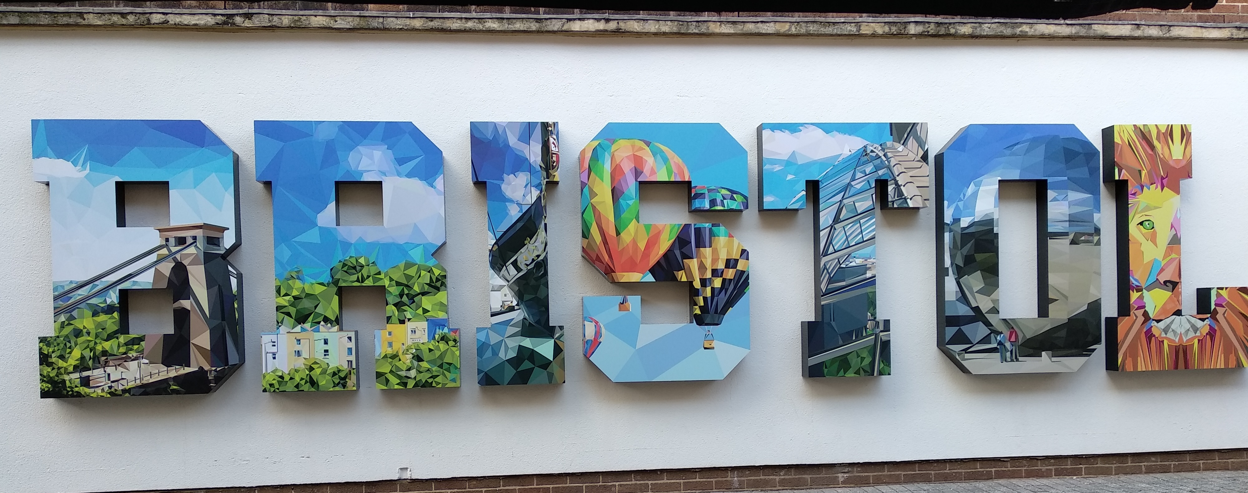 ¿Que ver en Bristol? Letras Bristol
