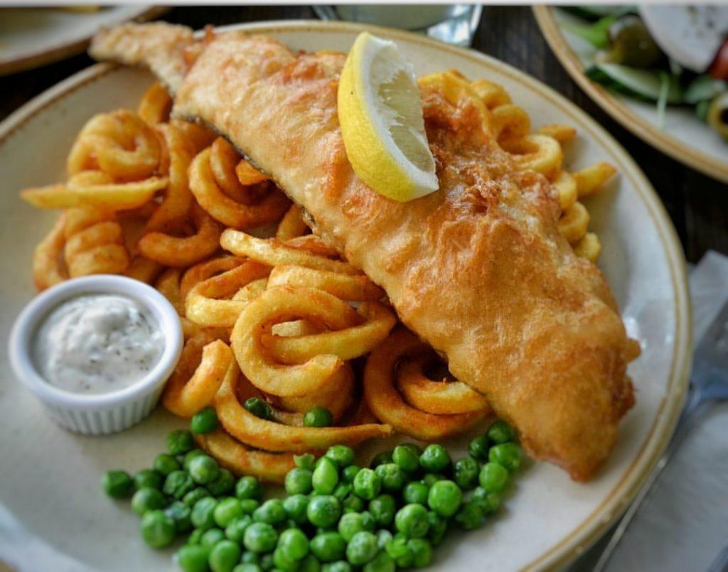 Fish and Chips. Comida típica en Edimburgo.
