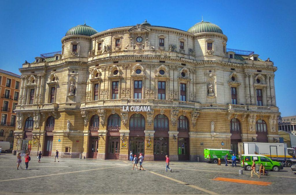 Qué ver en Bilbao en un día - Teatro Arriaga