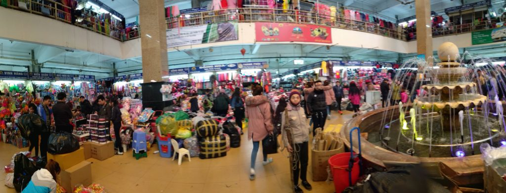 Qué ver en Hanoi - Mercado Dong Xuan Hanoi