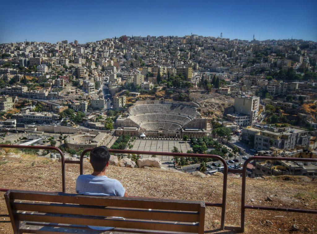 Teatro romano desde la Ciudadela en Ammán (Jordania) - Qué ver en Ammán en un día.