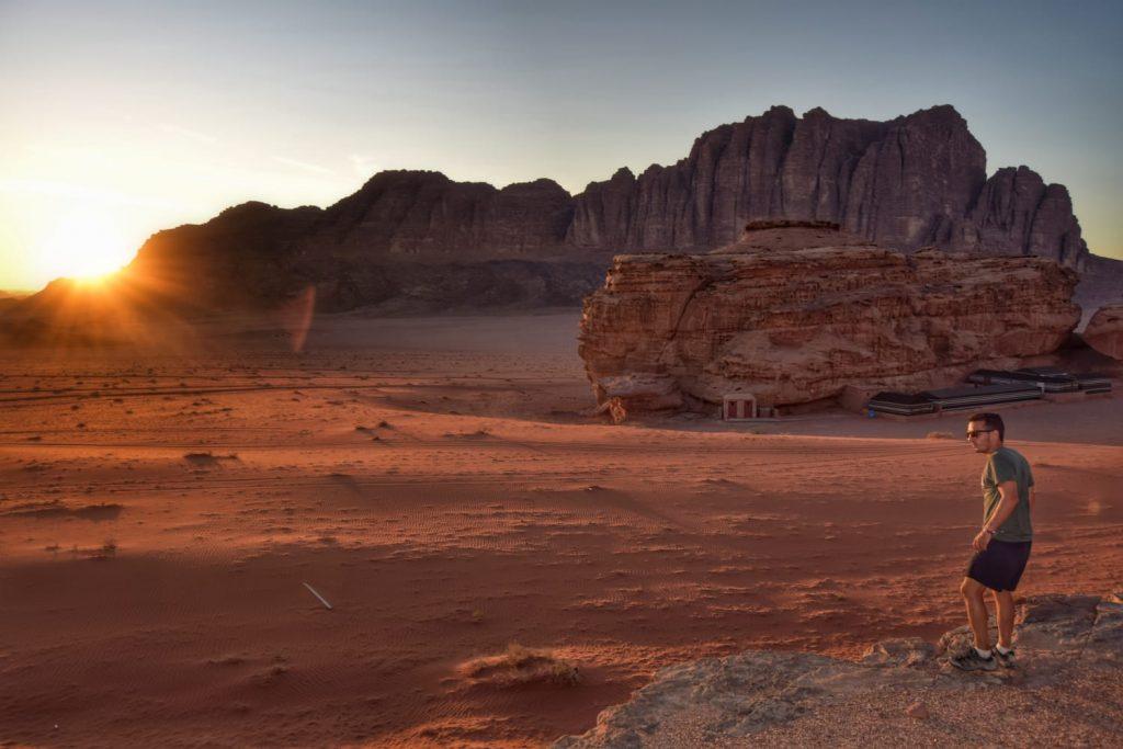 El desierto del Wadi Rum (Jordania) -Sunset Wadi Rum - Jordan en 3 díasia