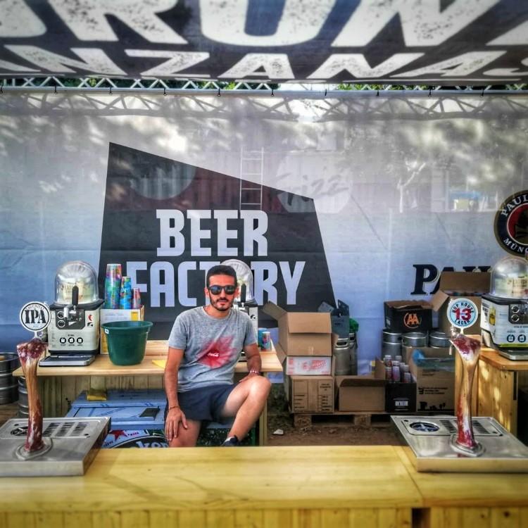 Beber cerveza y viajar. Beer Factory FIB