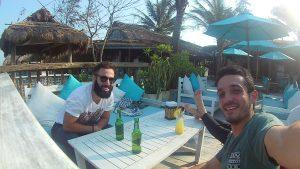 Cerveza en Vietnam con Claudio