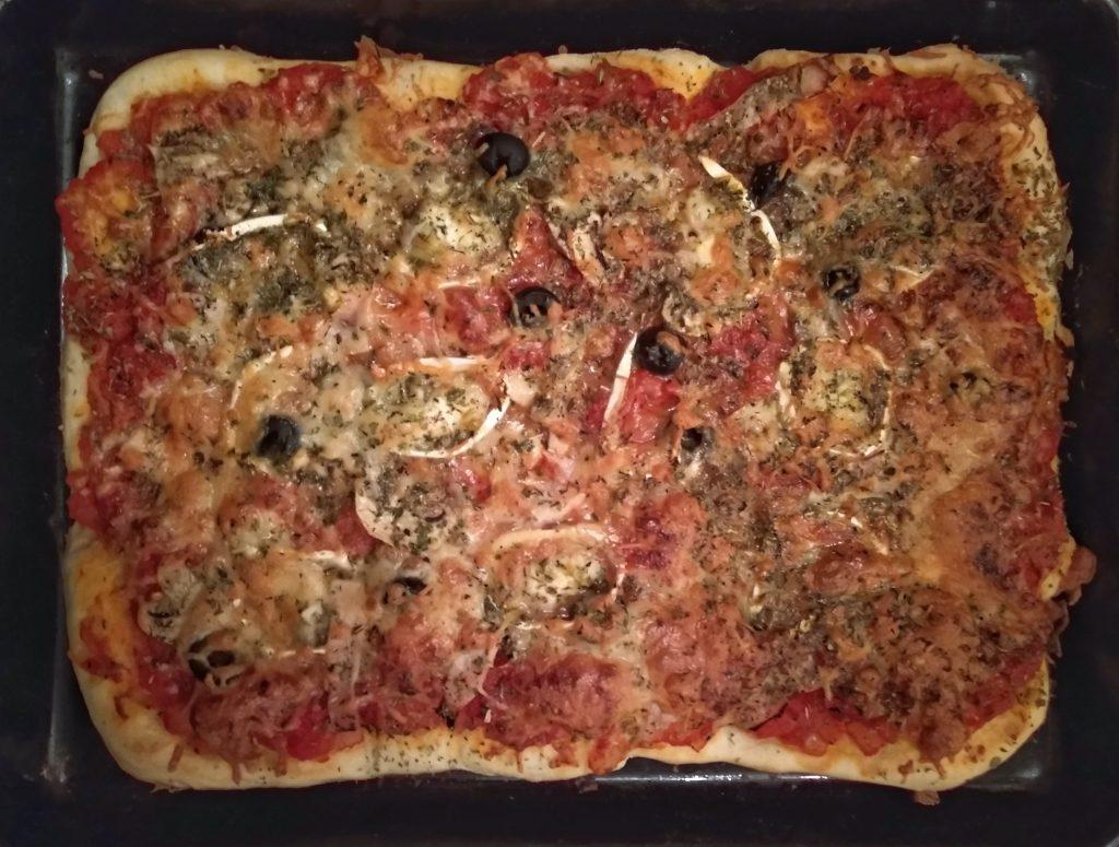 Pizza de queso de cabra y pavo - Viaje a Italia a través de alguno de sus platos.