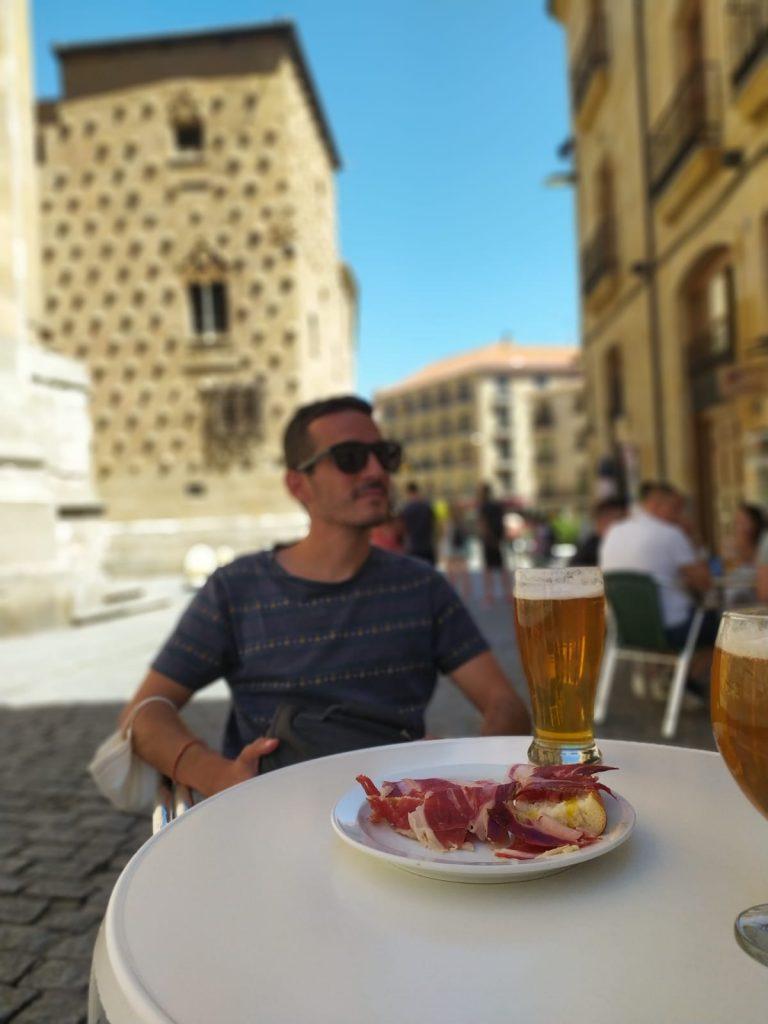 10 cosas que hacer o ver en Salamanca - Jamón de Guijuelo en Salamanca